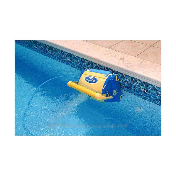 Robot sur la ligne d'eau
